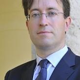 Santiago Hierro, galardonado por su investigación en derecho de sociedades
